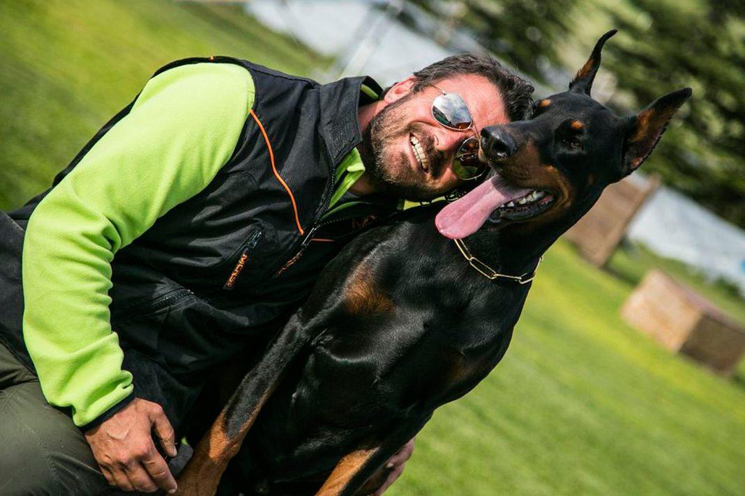 Şampiyon köpeklerin eğitmeni; Tarkan Özvardar